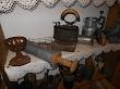 žehlička na drevené uhlie-piglajz, nástroj na plnenie čriev-špric na jatrničky