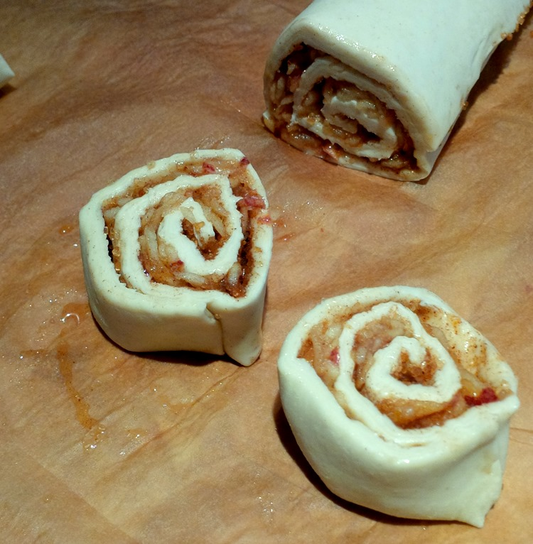 grated apple cinnamon sugar rolls