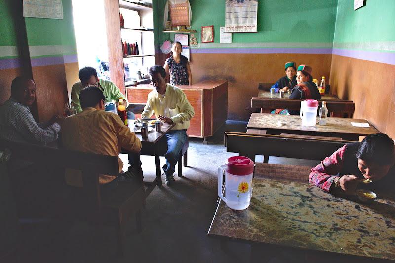 Dugheana tipica unde se mananca pranzul prin India himalaiana.