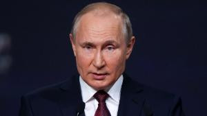 Putin says Russia is prepared to extradite cyber criminals to US if only America reciprocates the favor