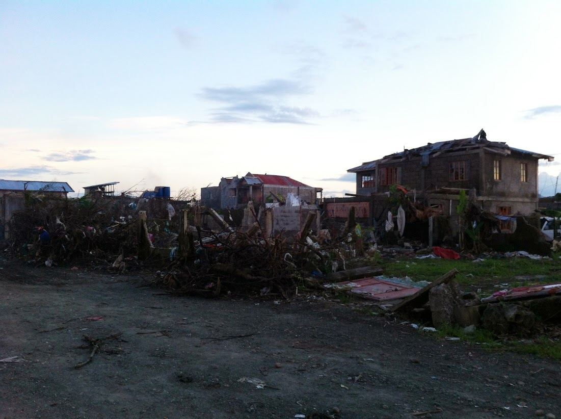 https://lh3.googleusercontent.com/-zDm5LZO_-XY/UtjqwCwQwyI/AAAAAAAADNg/3cACPr2o1iI/w1101-h822-no/san-jose-tacloban-relief-002.jpg