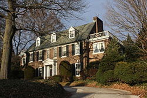 The_Kelly_Family_House_in_East_Falls,_Philadelphia_02