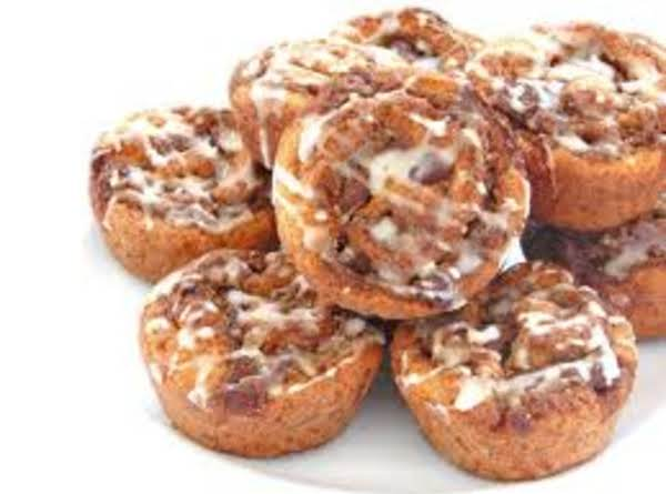White Chocolate Almond Nut Cinnamon Rolls Recipe