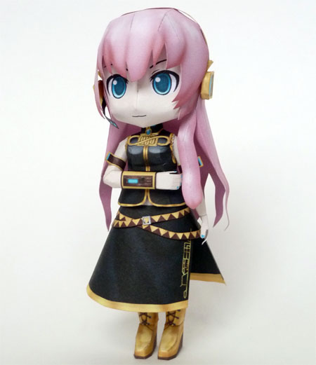 Vocaloid 2 Chibi Megurine Luka Papercraft