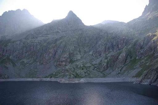 Le lac Vert vu du refuge de Valmasque, avant le coucher du soleil