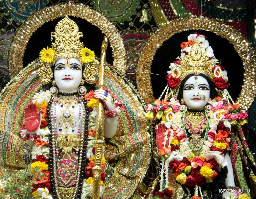 ISKCON Juhu Sringar Deity Darshan 09 April 2016 (29)