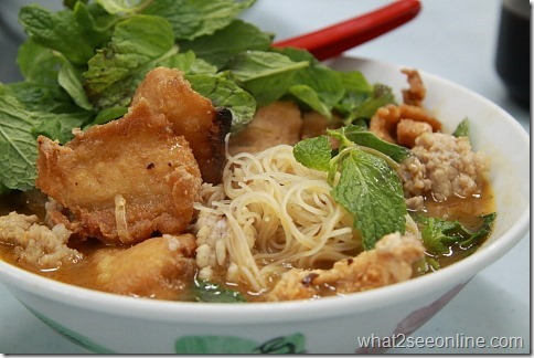 Raja Uda Tom Yam Noodles 光华小学旁边