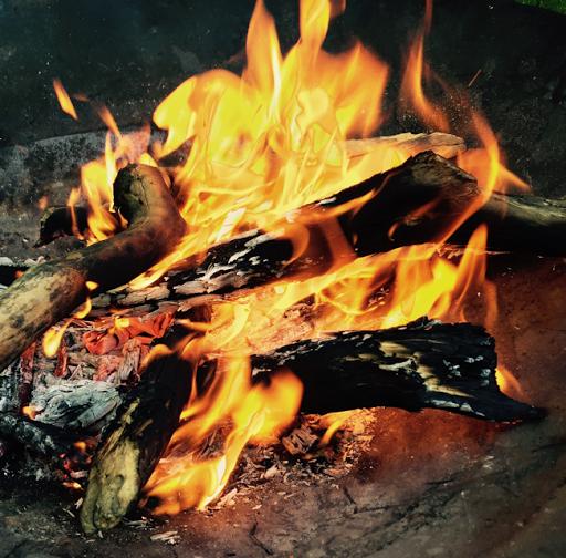 Feuer In Feuerschale Machen : feuer machen mit kindern lieblingsbande ~ Whattoseeinmadrid.com Haus und Dekorationen
