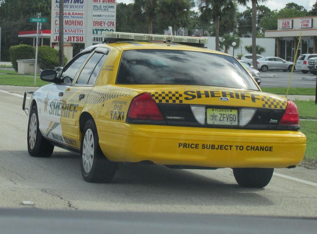 [Funny+Taxi+Sherrif+%283%29%5B8%5D]