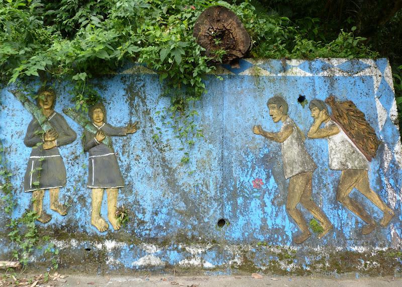 Puli  en passant , entre autres, par les villages de l ethnie Bunum de Loloko et Dili. J 10 - P1160995.JPG