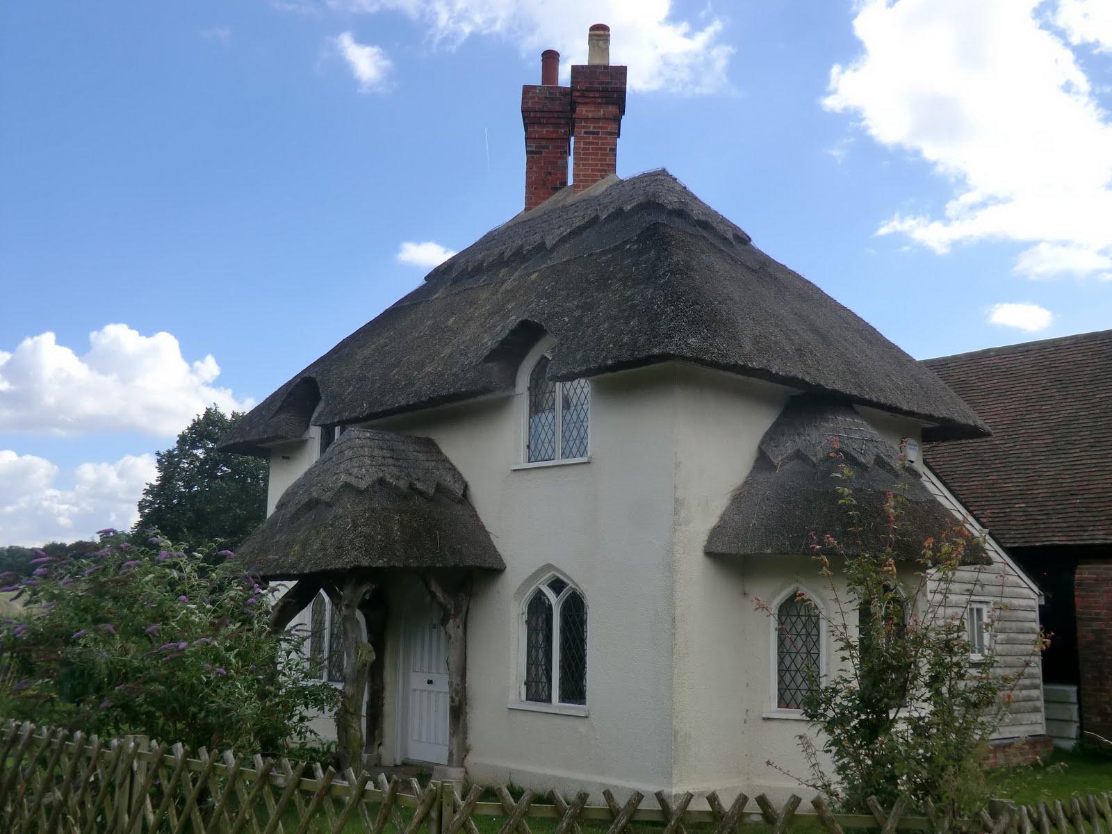 CIMG3541 Lodge Cottage
