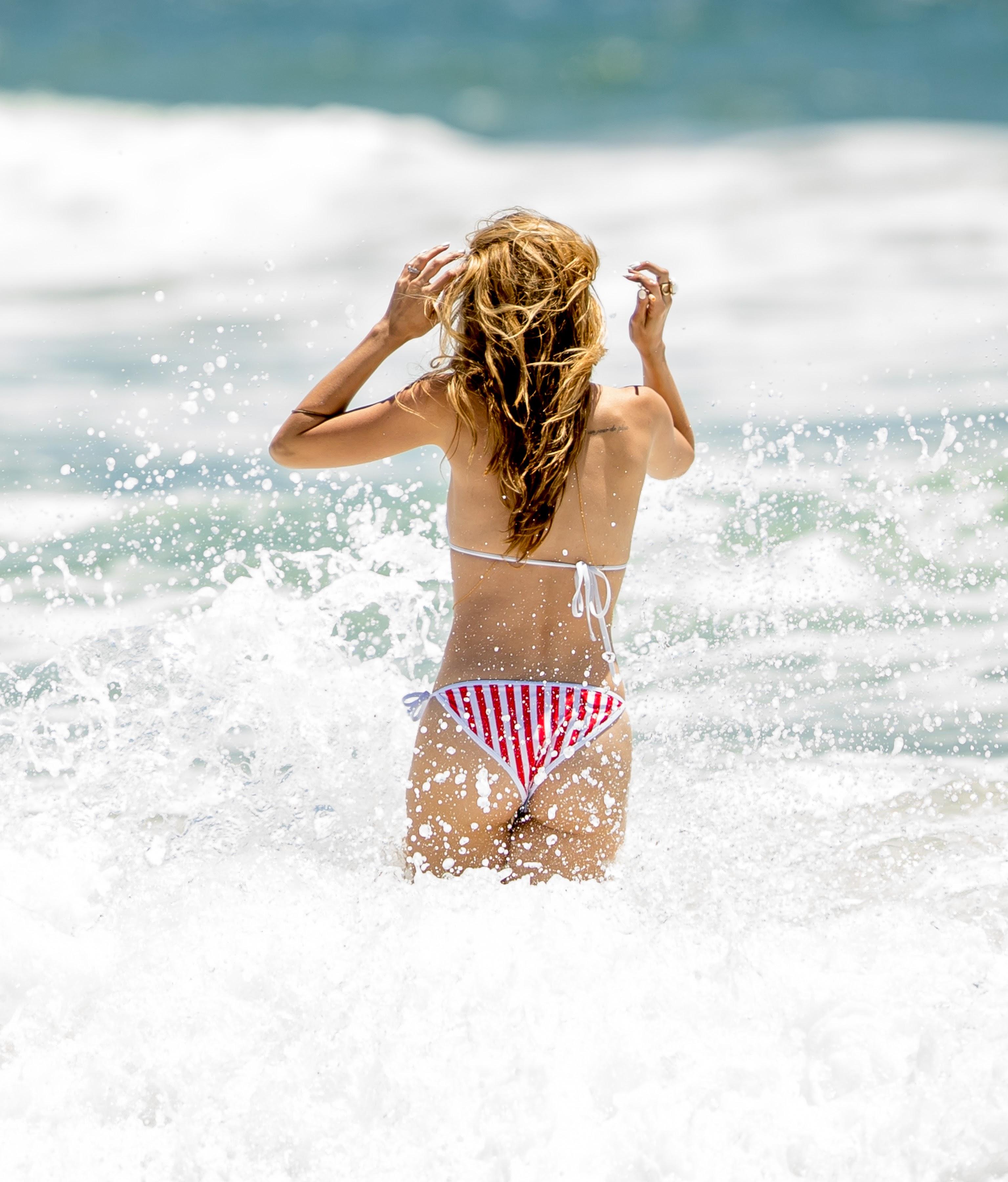 fashion blog rachel mccord bikini candids in venice beach. Black Bedroom Furniture Sets. Home Design Ideas