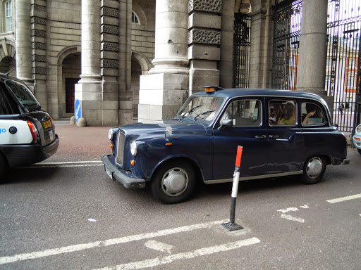 Take a taxi in London!