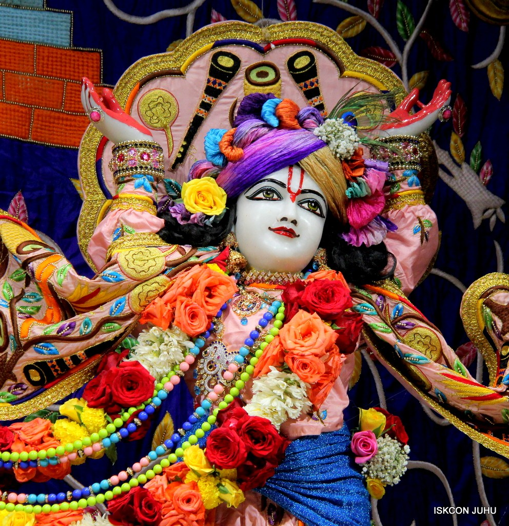 ISKCON Juhu Sringar Deity Darshan 10 Jan 2017 (74)