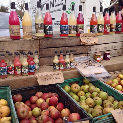 Twickenham Farmers' Market - Chegworth Valley Juices brought all types of apples and pears as well as pure juices from Kent.  If you can't get to any of the markets they visit, you can also buy veg boxes, fruit boxes and juices from their website.