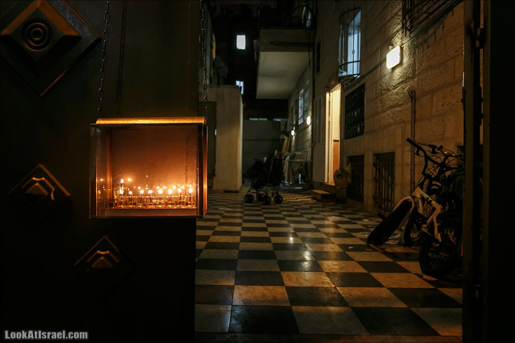 Ханука в Иерусалимском квартале Меа Шеарим | LookAtIsrael.com - Фотографии Израиля и не только...