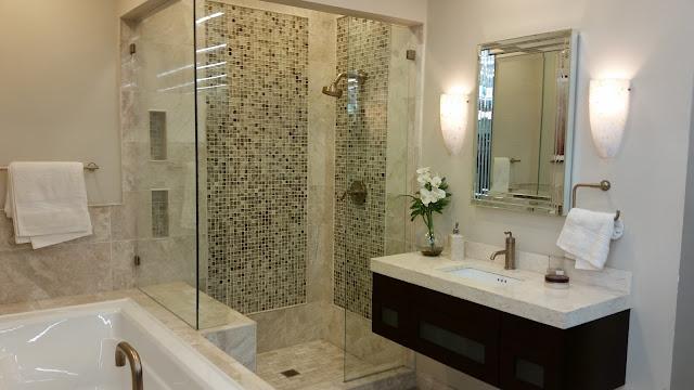 Bathrooms - 20150825_114616.jpg