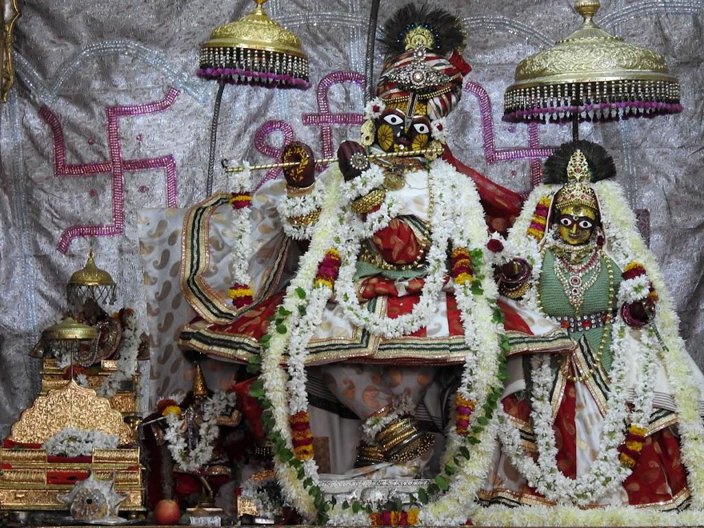 Radha Govind Devji Deity Darshan 02 Jan 2017 (1)
