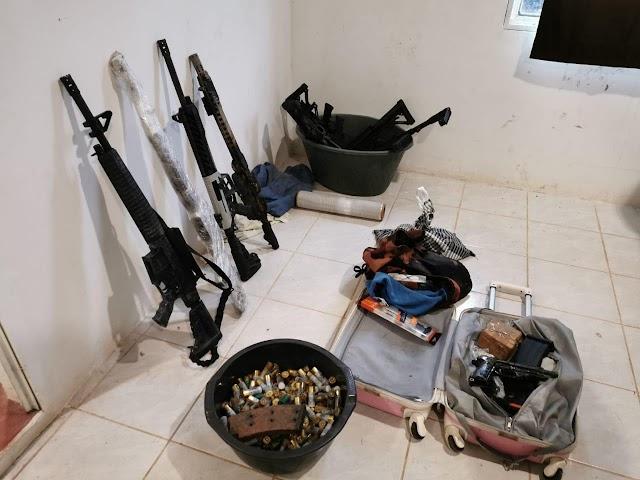 EN CHIAPAS GUARDIA NACIONAL ASEGURA UNA DOCENA DE ARMAS Y CARTUCHOS, ADEMÁS DE DETENER A DOS PRESUNTOS TRAFICANTES DE DROGA VINCULADOS CON UN GRUPO DELICTIVO EN SINALOA