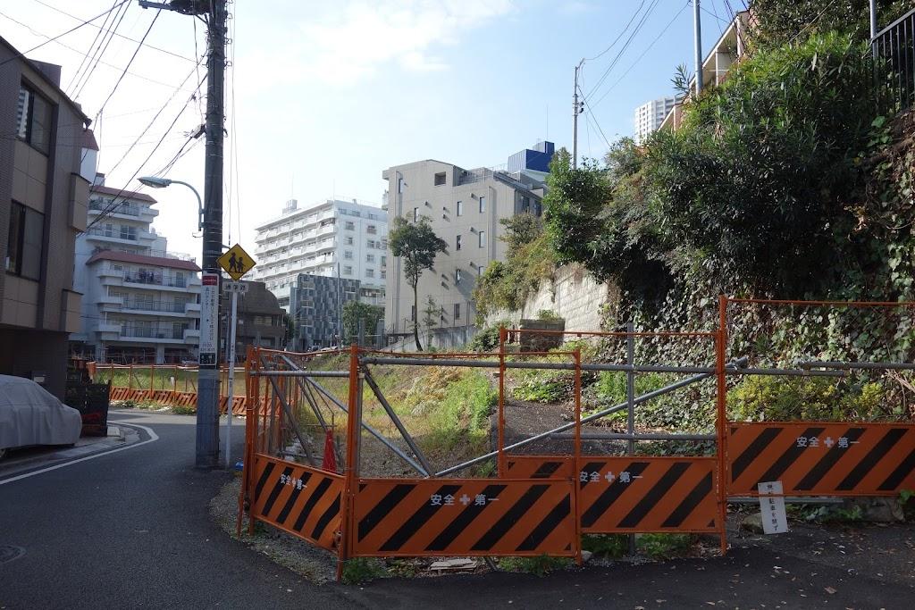 二本榎通りからの細道 東京都港...