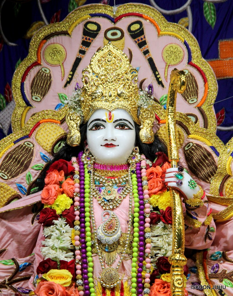 ISKCON Juhu Sringar Deity Darshan 10 Jan 2017 (52)
