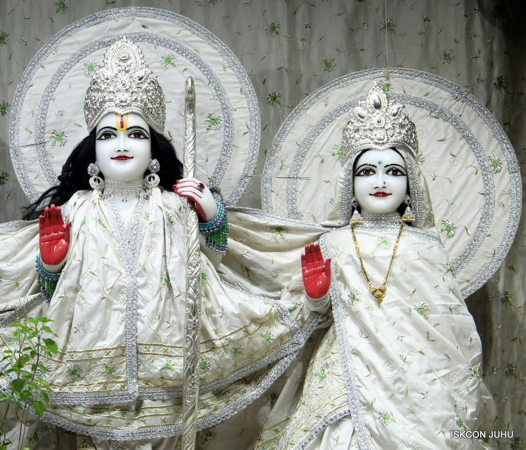 ISKCON Juhu Mangal Deity Darshan on 8th Sep 2016 (10)