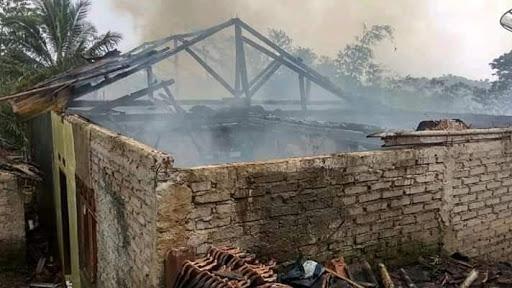 Rumah dan Kandang Ayam di Sukabumi Terbakar, 4000 Ekor Ayam Terpanggang Api