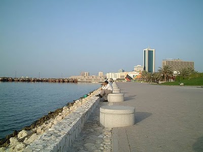 Bahrain - Manama waterfront  (photo-battutabahrain.blogspot.com)