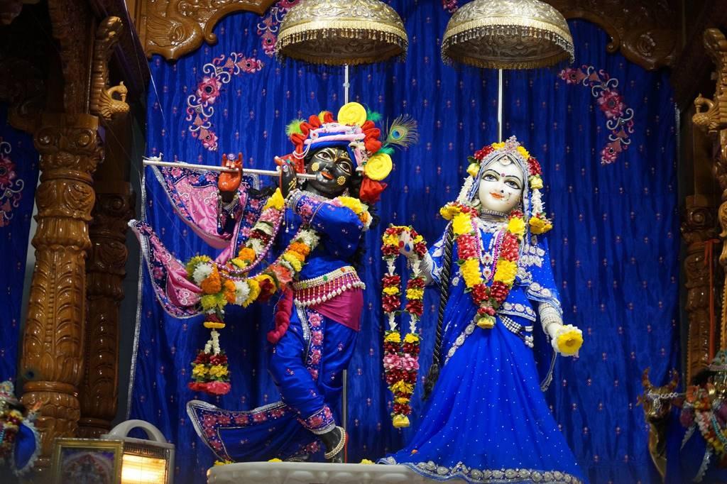ISKCON Noida Deity Darshan 03 Feb 2016 (1)