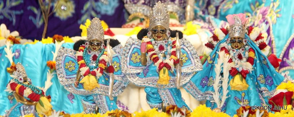 ISKCON Juhu Sringar Deity Darshan on 7th July 2016 (41)