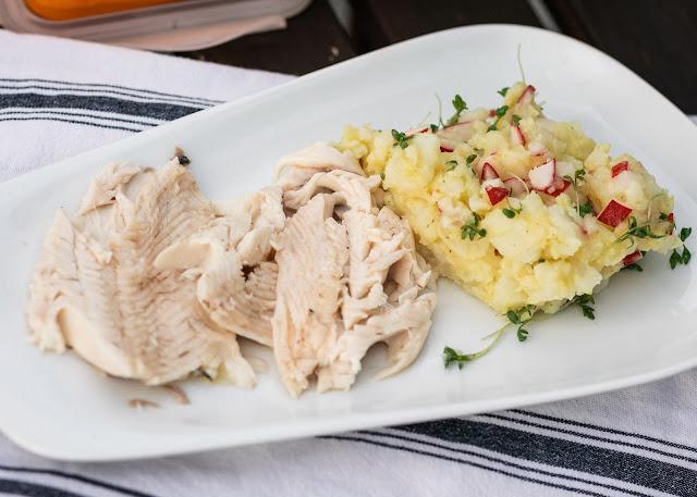 Frische Forelle mit Kartoffelsalat