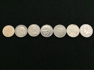 500円玉より少しだけ大きいコイン達