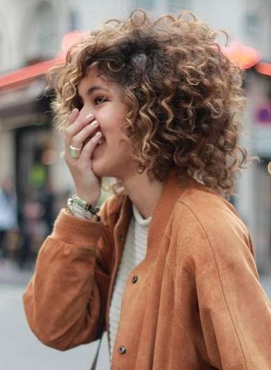 Curly Short Hair Winter Trend Cuts 2018 4