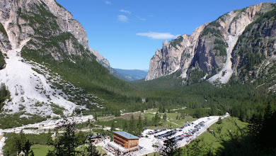 Photo: Hotel Pederu in a magnificient valley