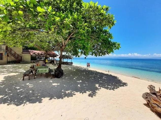 A beach in Samboan
