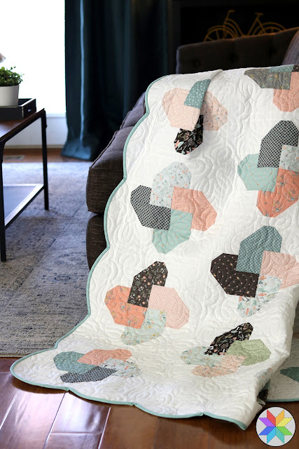 Scalloped edge quilt tutorial - how to add a scalloped border on a quilt - a helpful tutorial from A Bright Corner