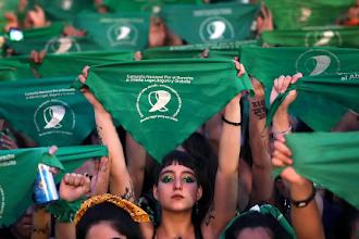 ¿Por qué esta vez sí se aprobó la ley de la interrupción del embarazo en Argentina?