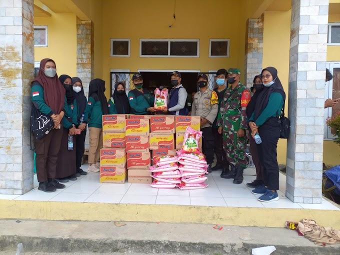 Kepedulian Anggota Saka Wira Kartika Binaan Kodim 0913/PPU, Saat Beri Bantuan Terhadap Korban Banjir Di Wilayah Babulu