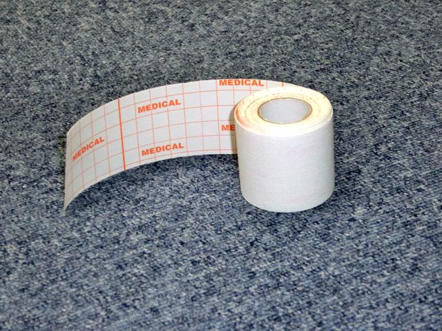 固定用の柔らかいテープ