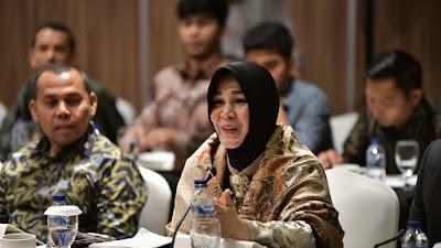 Illiza Sa'aduddin Djamal.  Rencana Pemerintah Menerapkan PPN pada Sekolah Swasta Belum Tepat