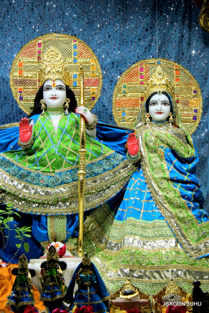 ISKCON Juhu Mangal Deity Darshan on 5th Sep 2016 (9)