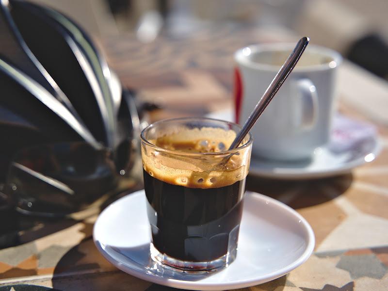 Pauza de cafea, din pacate abia la ora 16:00. In rest in Spania cafeaua e la fel de buna si la fel de ieftina ca in Italia din cate ne-am dat seama.