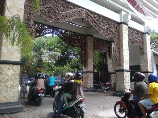Menikmati Minggu Pagi di Taman Balekambang, Surakarta