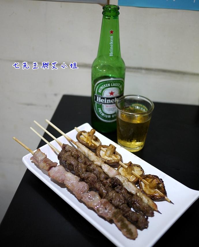 5 新莊新疆孜然巷口串烤