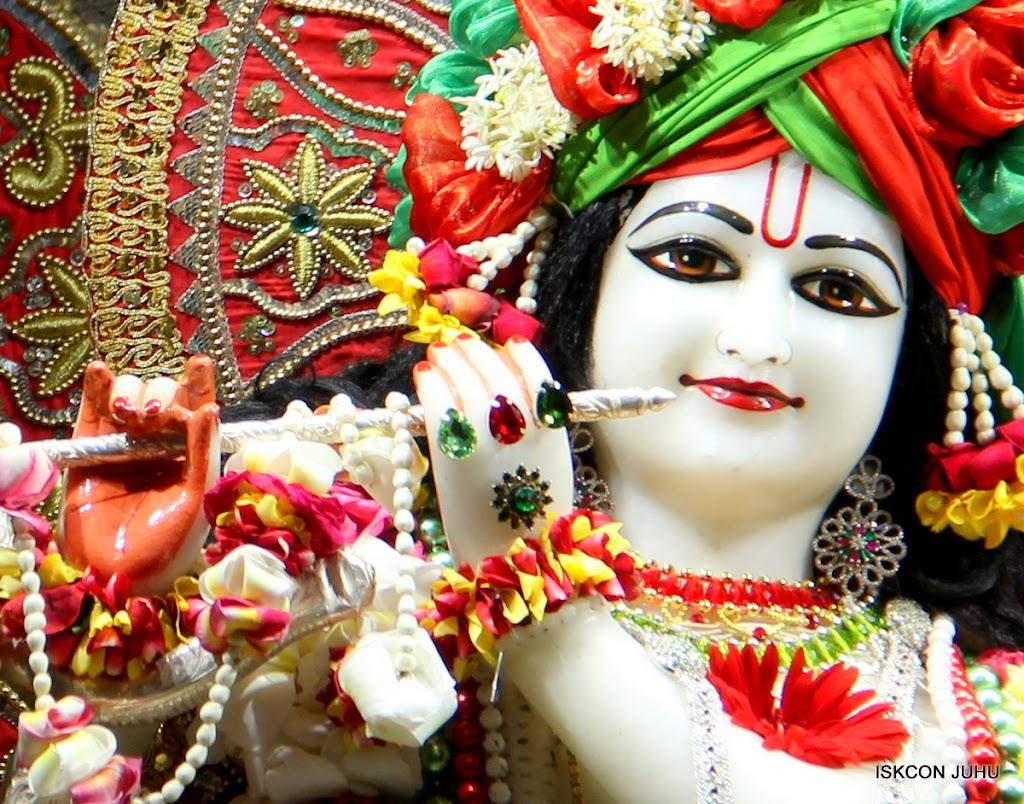 ISKCON Juhu Sringar Deity Darshan on 3rd May 2016 (9)
