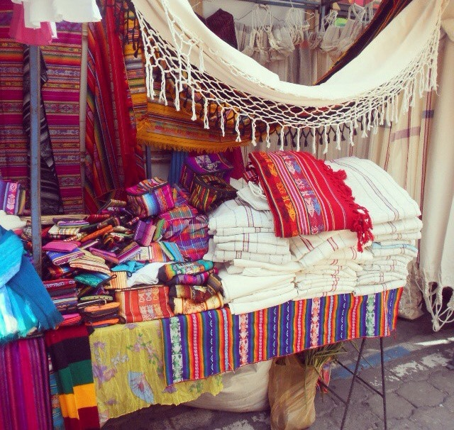 Ecuador, Otavalo Market, travelsandmore, travel blogger, markets, travel