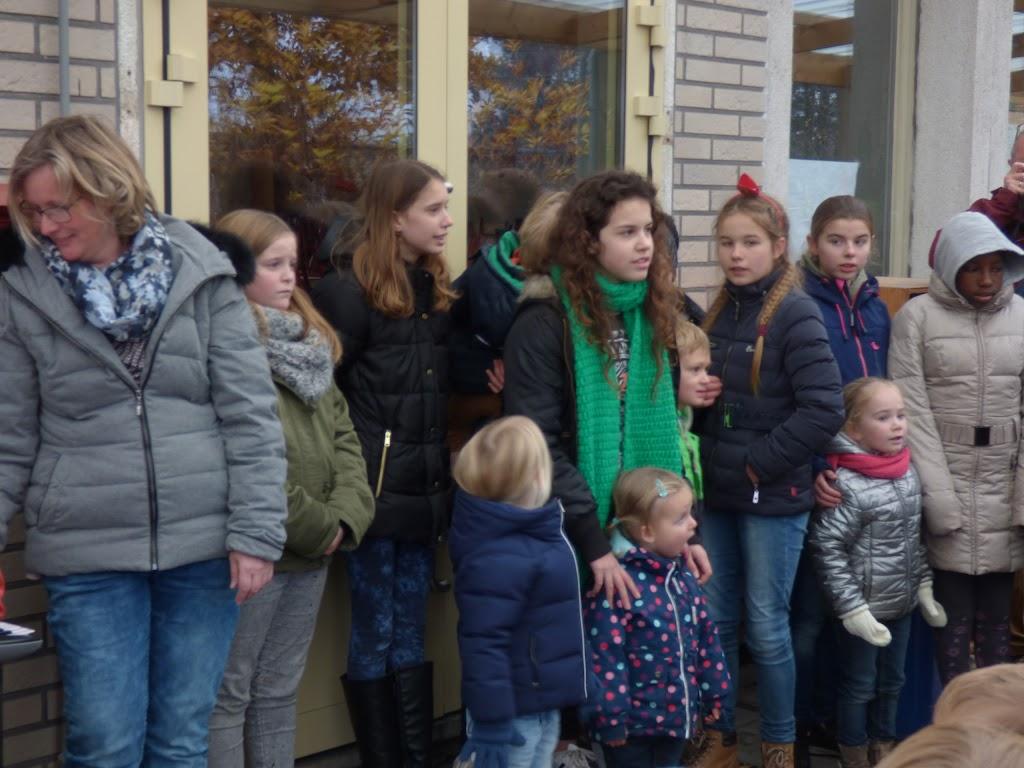 Sinterklaas op bezoek - P1060451.JPG