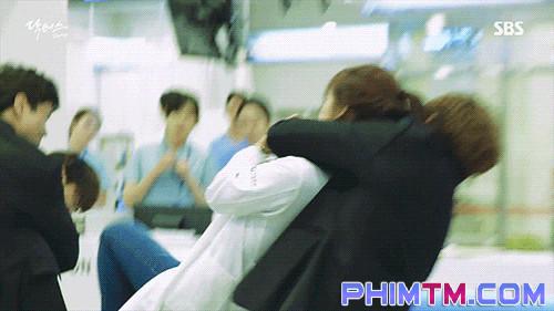 Sởn da gà với loạt cảnh phim không dùng đóng thế của diễn viên Hàn Quốc - Ảnh 6.