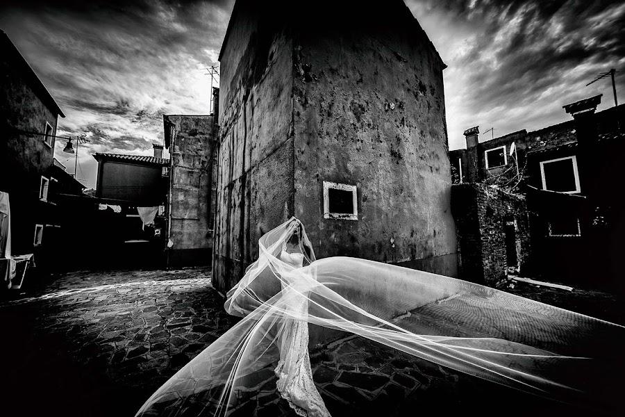 Wedding photographer Cristiano Ostinelli (ostinelli). Photo of 11.05.2019
