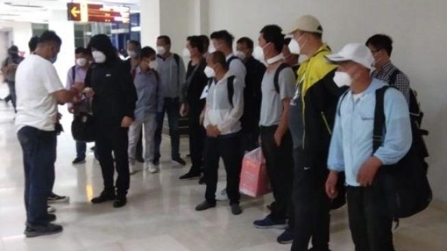 TKA China Masuk Indonesia Saat PPKM Darurat, Pengamat: Kebijakan yang Melukai Rakyat